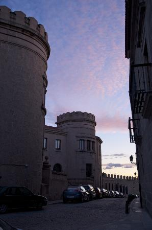Private Madrid Museum Tours : Avila