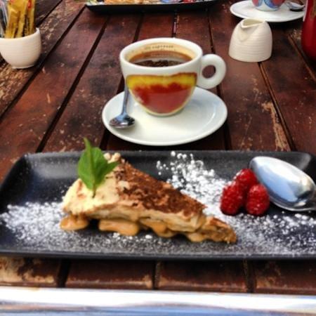 Loch Fyne - Cobham: Banoffee and coffee 😄