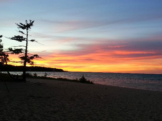 Wilderness State Park: Lakeshore campground beach