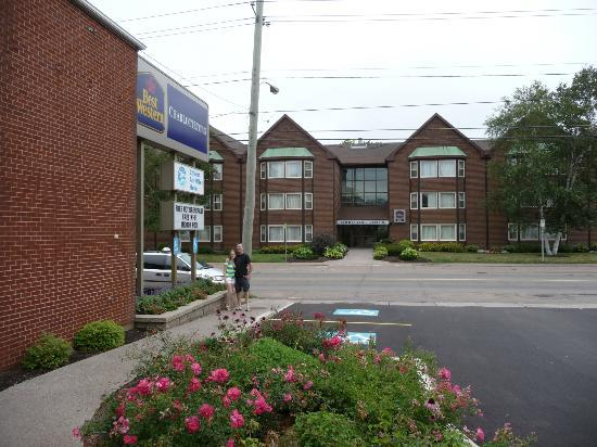 BEST WESTERN Charlottetown : Second building across the street,conference center