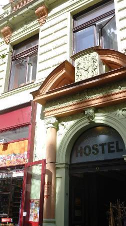 Prague Square Hostel : Utanför