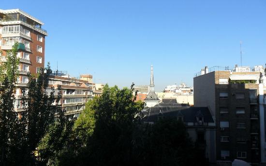Leonardo Hotel Madrid City Center : Veduta dalla camera