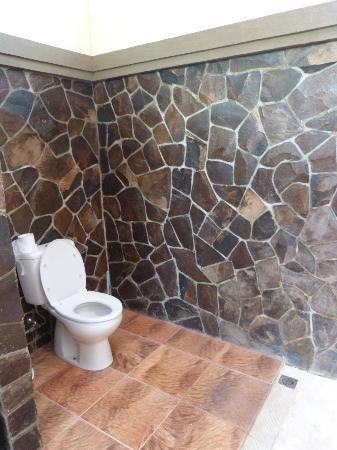 Citra Lestari Cottages: Toilettes