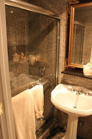 Da Vinci Hotel: Banheiro