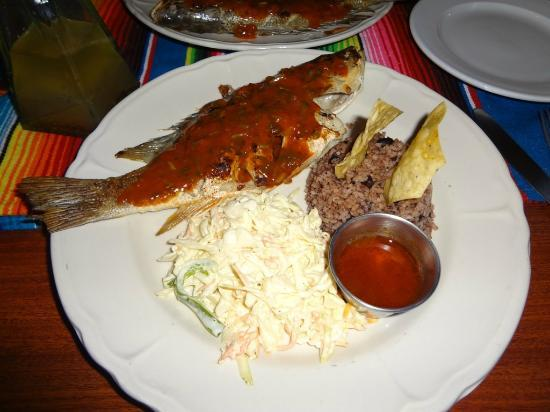 Athens Gate Beach Resort: Caramba's whole snapper