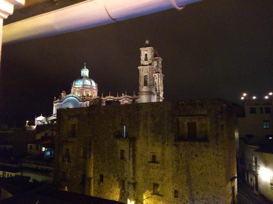 Hotel Mi Casita: Vista en la noche