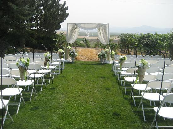 Sawtooth Winery: An intimate wedding setting overlooking the vineyard and Owyhee Mountains
