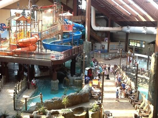 Six Flags Great Escape Lodge & Indoor Waterpark: Looks awesome, but no pool and cold water dissapoints.