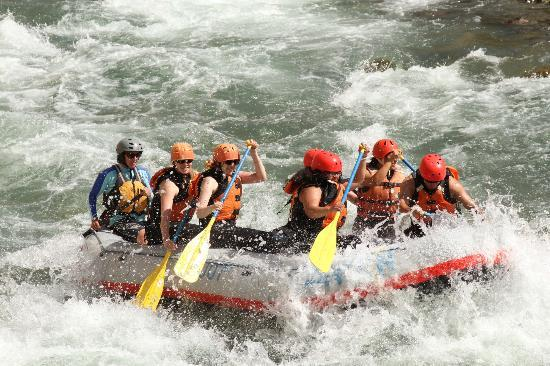 Canyon Raft Company : fun in the water