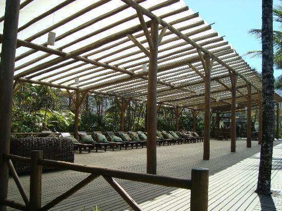 Itamambuca Eco Resort: Quiosque de descanso próximo da praia