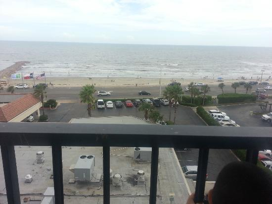 Holiday Inn Resort Galveston-On The Beach: View of the beach (awesome at night)