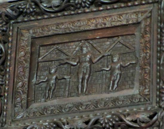 Basilica di Santa Sabina: 5th century depiction of crucifixion