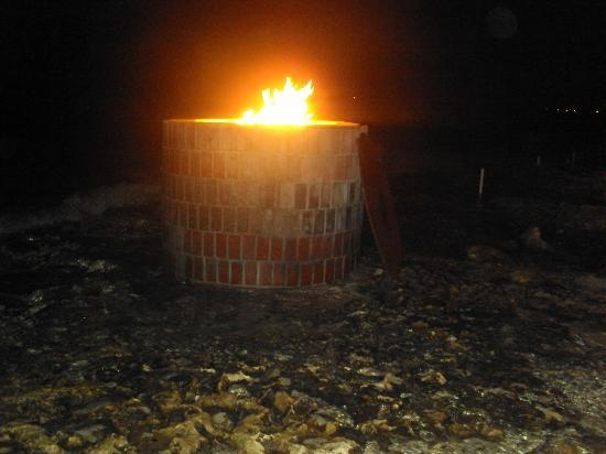 South Coast Bar & Grill Breakers: Fire pit at the edge of the sea!