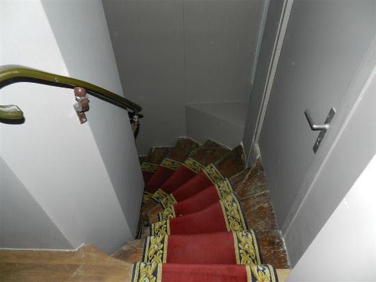 Hotel de la Place des Vosges : stairs!