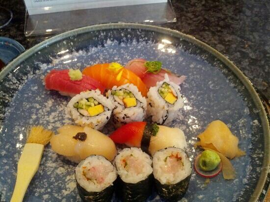 The Shiori: Sushi of the day platter