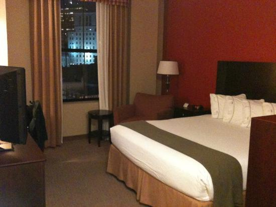 Holiday Inn Express Baltimore-Downtown: HIE Bedroom
