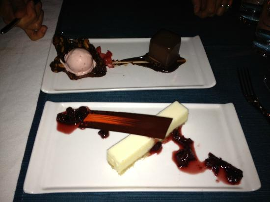 Essensia Restaurant & Lounge: Dessert Cheesecake and Chocolate Mousse