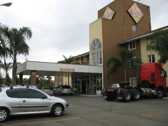 Hotel 10 Curitiba : Fachada