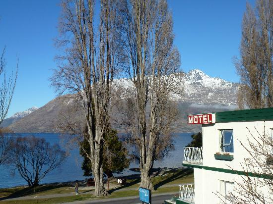 Lakeside Motel - Looking over the Lake Wakatipu