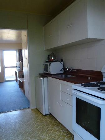 Lakeside Motel - Kitchen