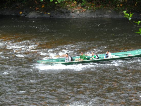Ulu Ulu National Park Resort: Long Boat Journey to Resort