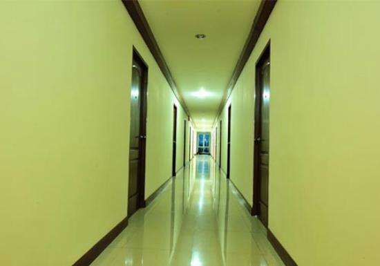 Aravinda Living Home: Corridor