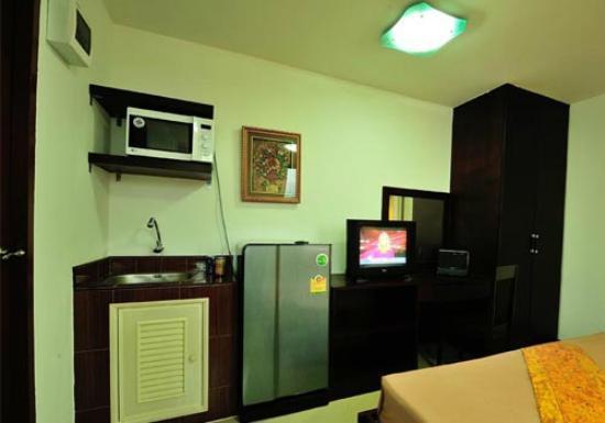 Aravinda Living Home: Studio Amenities