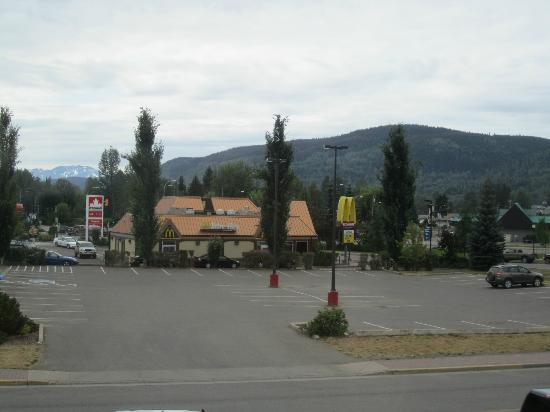Stork Nest Inn : The view to McDonalds and Petrol Station