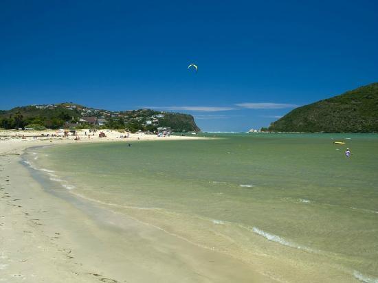 Amber Guest Lodge: Leisure Isle Beach