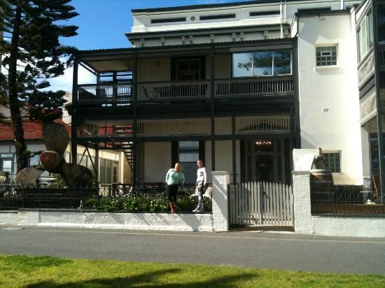 Seawall Apartments: Old School House