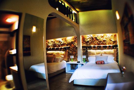 Hotel Casa Bella: Double Queen Room