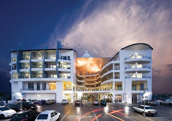 Genesis All-Suite Hotel: Genesis Suites & Conferencing
