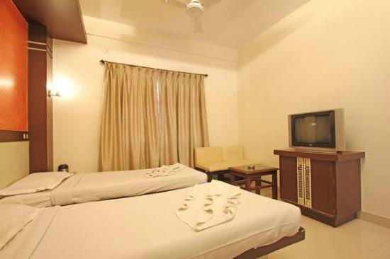 Golden Residency: STD NON A/C ROOM