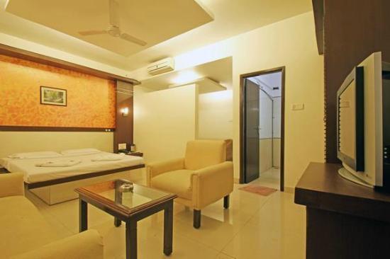Golden Residency: SUITE ROOM 2