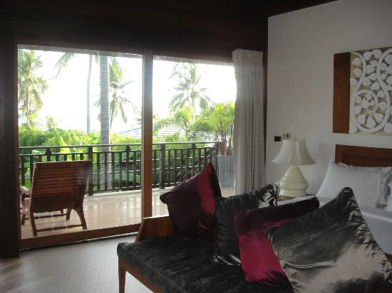 Baan Puri: Upstairs Bedroom with Balcony