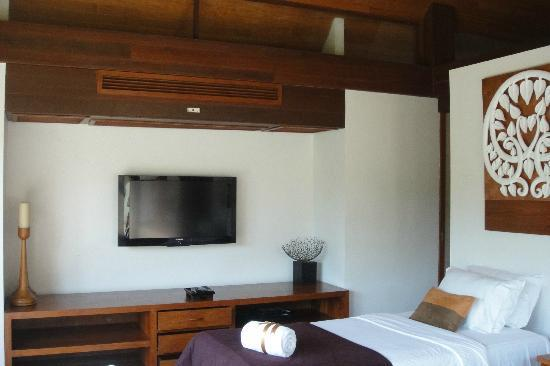 Baan Puri: Bedroom TV
