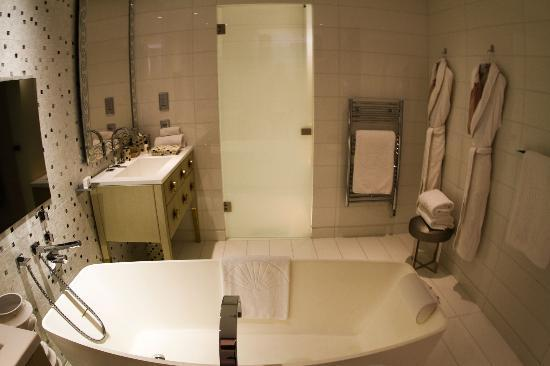 Mandarin Oriental, Paris: Bathroom