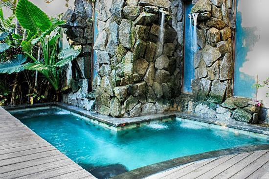 The Dipan Resort Petitenget: Pool Side