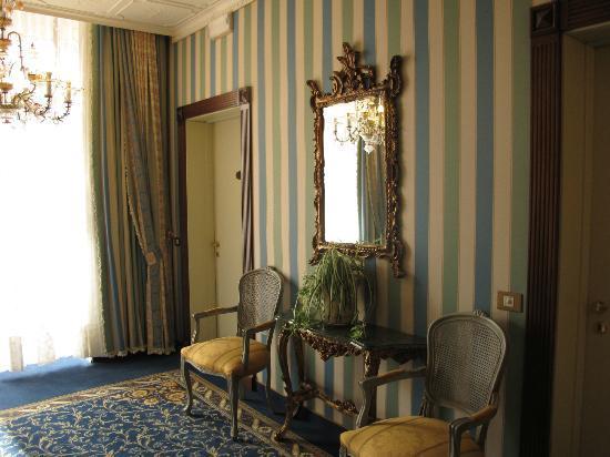 Hotel Violino d'Oro: hallway
