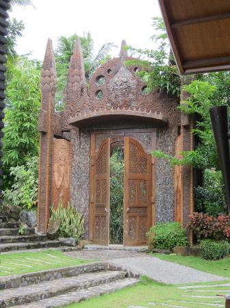 Cintai Corito's Garden: Balinese portal