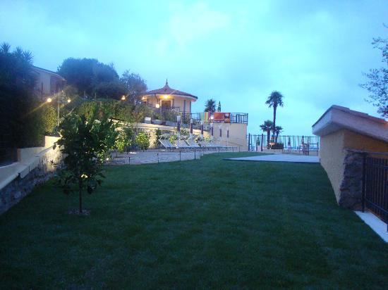 Hotel Liliana: Il nuovo terrazzo