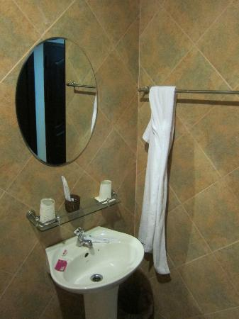 Sengtiane Hotel: bathroom 1