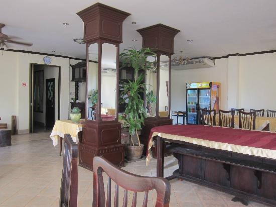 Sengtiane Hotel: lobby area