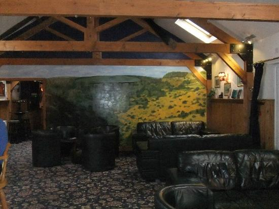 Betty Cottles Restaurant: Bar/Lounge area