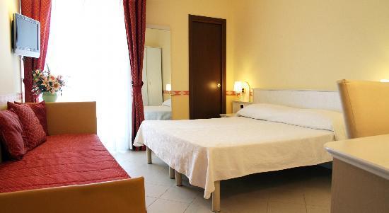 Hotel Baia Bianca: camera