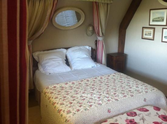 Le Hamet : chambre propre accueillante belle