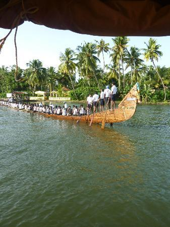 Ayana's Homestay: Boat race in August
