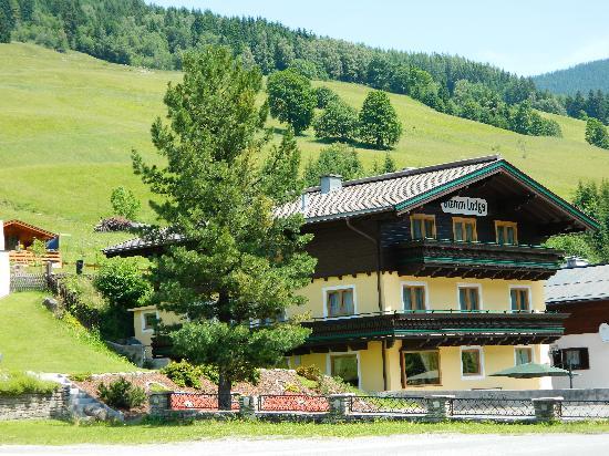 Glemm Lodge: getlstd_property_photo