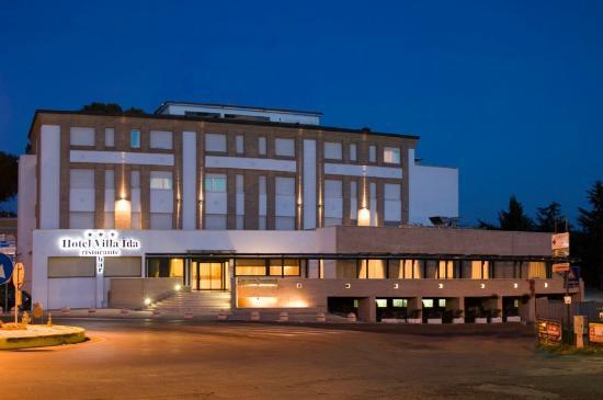Ceprano, Italië: Esterno Hotel Villa Ida