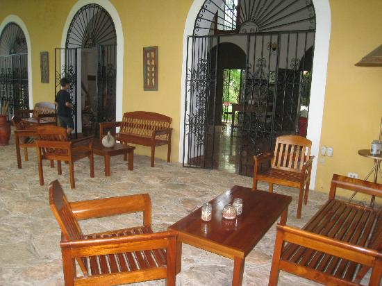 Hacienda Santa Cruz: patio